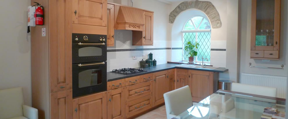 Ty Dyffryn Holiday Cottage, Dog Friendly Carmarthenshire